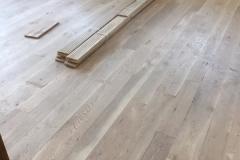 WIDE PLANK Character White Oak