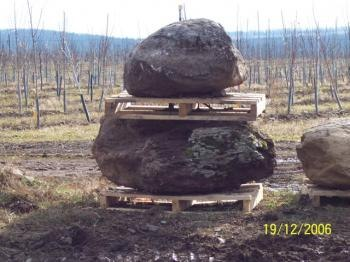 EXTRA LARGE ONE PER PALLET BOULDERS