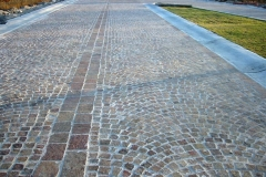 TEMPEST GRAY  with BRONZE SUMMIT Blend Porphyry Bogen pattern