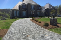 BLACK-Regulars-5x5x9-Cobbles-Estate-Driveway