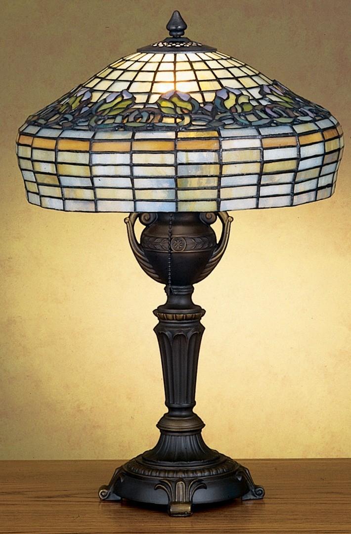 TIFFANY STYLE TABLE LAMP 30