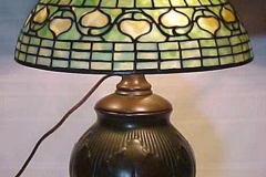 TIFFANY STYLE TABLE LAMP 37