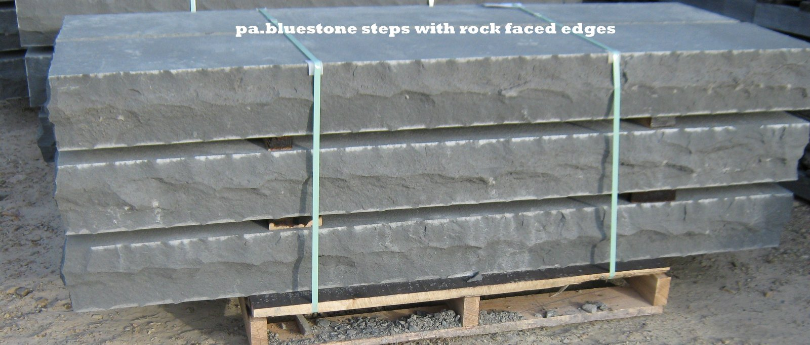 BLUESTONE ROCK FACED STEPS